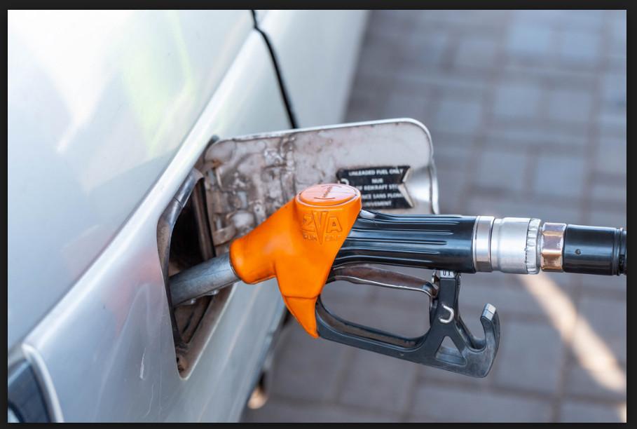 Petrol pump filling car